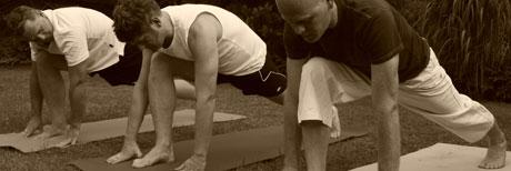 https://yogacircle-berlin.de/wp-content/uploads/2009/07/maenneryoga2.jpg
