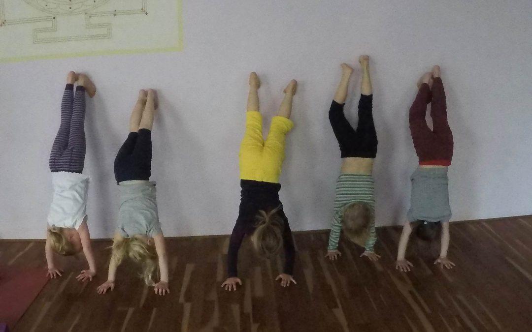 Kinderyoga mit Dietlind: Kinder können Märchen live erleben