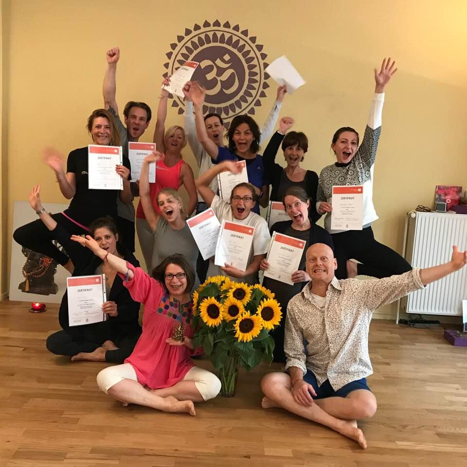 Level-I-Abschlussklasse Yogalehrerausbildungi n Berlin