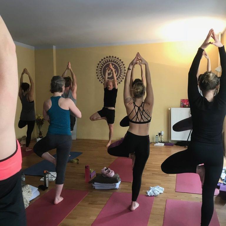 Yogalehrer-Ausbildung in der YogaCircle Berlin Akademie mit Dipl. Sportwiss. Thomas Bessel