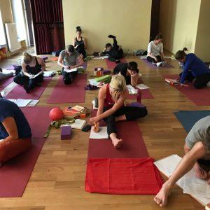 schueler_yogalehrer_ausbildung
